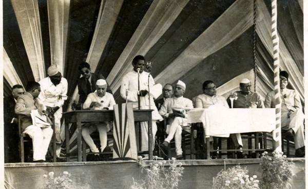 Nehru and parts of his cabinet at Sindri, March 1952. Photos / Pran Prashad