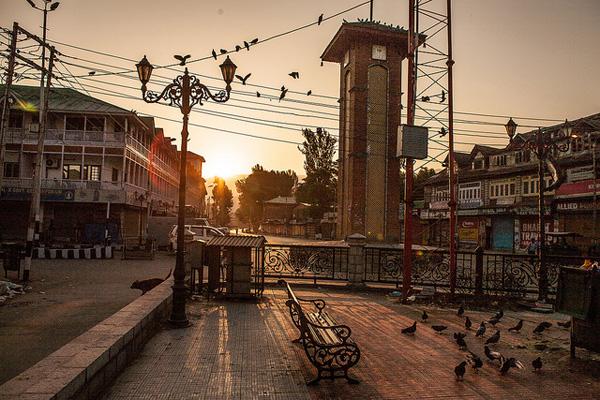 Lal Chowk, Srinagar Photo: Flickr / sandeepachetan.com