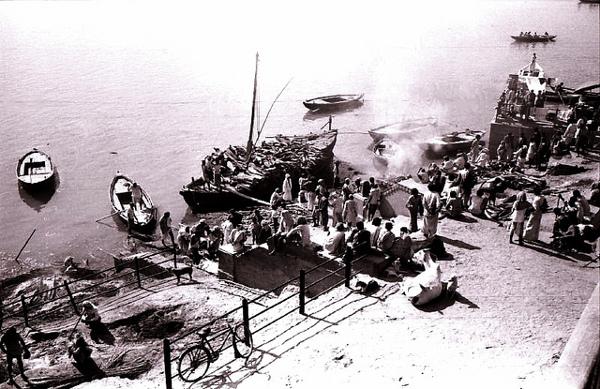 Varanasi, 1979. Photo: Flickr / Nick