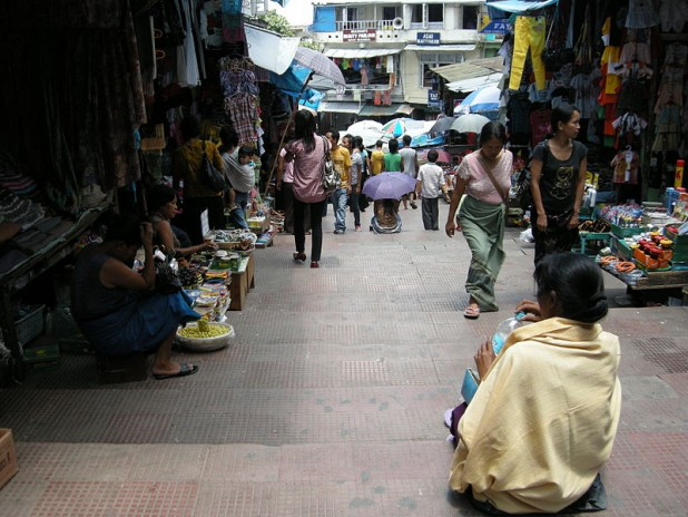 Market in Aizawl. More than 2886 Chakma names were deleted from the electoral roll, published in 1995 and 1996, from Aizawl district alone. Photo : Wikimedia Commons