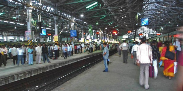 Mumbai's CST Railway Station Photo : Wikimedia Commons