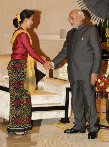 Indian Prime Minister Narendra Modi meets National League for Democracy Chairperson Aung San Suu Kyi during his visit to Myanmar in November 2014. (Photo: flickr.com/photos/narendramodiofficial)