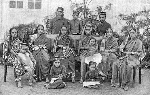 Beni-Israel family from Bombay State. (Photo: Wikimedia/Jewish Encyclopedia)